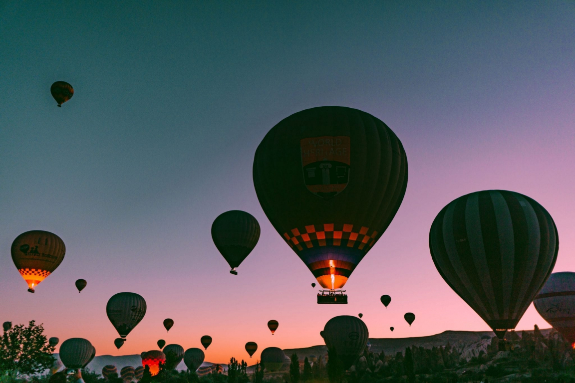 mesut kaya lccdl balloon unsplash